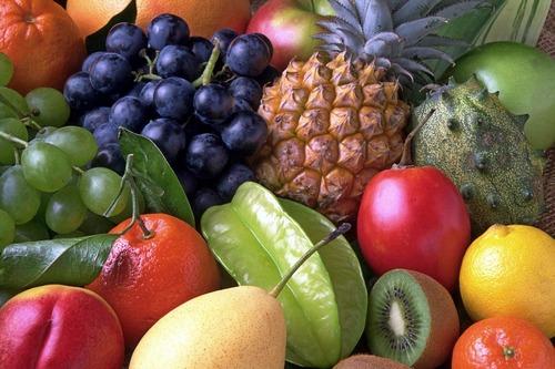 kivi, ananas, jabuka, kruška